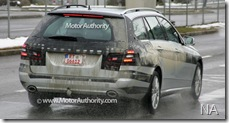 2010_mercesdes_benz_e_class_estate_spy_shots_december_005-1219-950x650