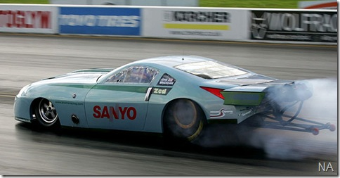 Nissan-350Z-Dragster-5_640x408