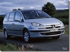 Peugeot-807_2001_800x600_wallpaper_06