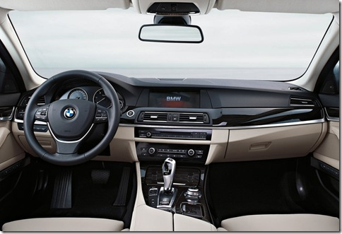 BMW-5-Series_2011_800x600_wallpaper_28