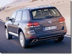 Volkswagen-Touareg_2007_800x600_wallpaper_13