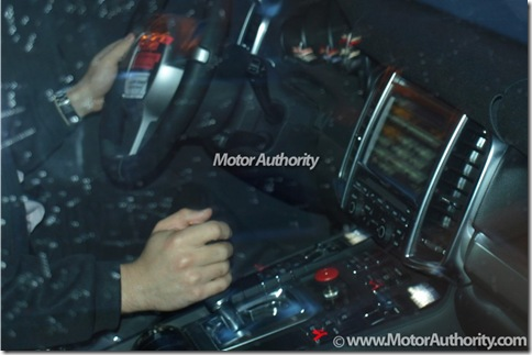 2011-porsche-cayenne-interior-spy-shots-december-001_100190954_l