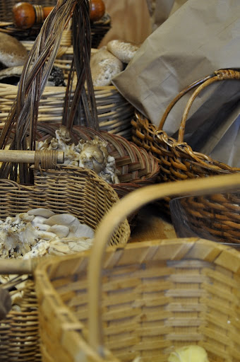 baskets and baskets and baskets of 'shrooms