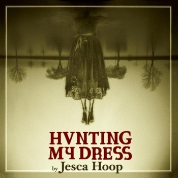 JescaHoop-Hunting-my-dress.jpg