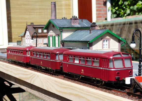 Märklin 3016: Schienenbus met bijwagens
