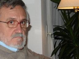 Xavier Alcalá na súa casa da Coruña - Fot. de Alfredo Ferreiro