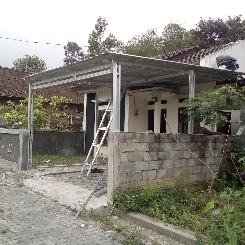 baja ringan teras rumah kanopi