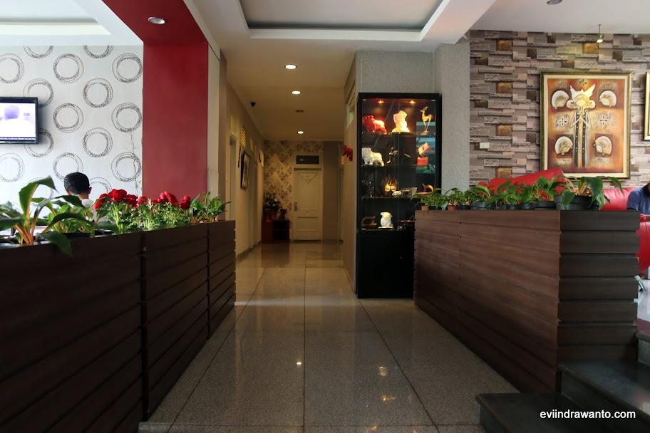 Ruangan hangat dan homey Sweet Karina Hotel Bandung