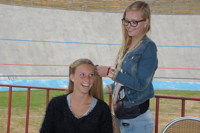 Naomi Hanne en Sara Verhaest