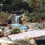 images-Waterfalls Fountains and Ponds-fount_4.jpg