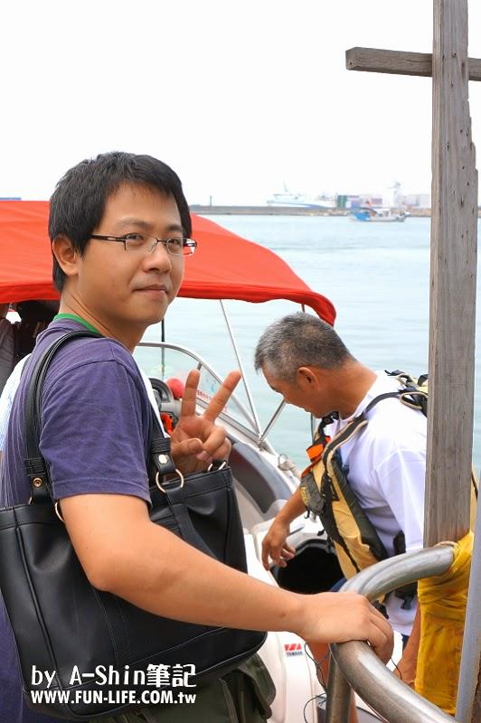 台中梧棲港搭遊艇19