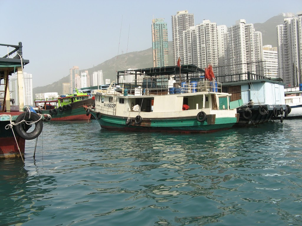 0240Cruise on Victoria Harbour