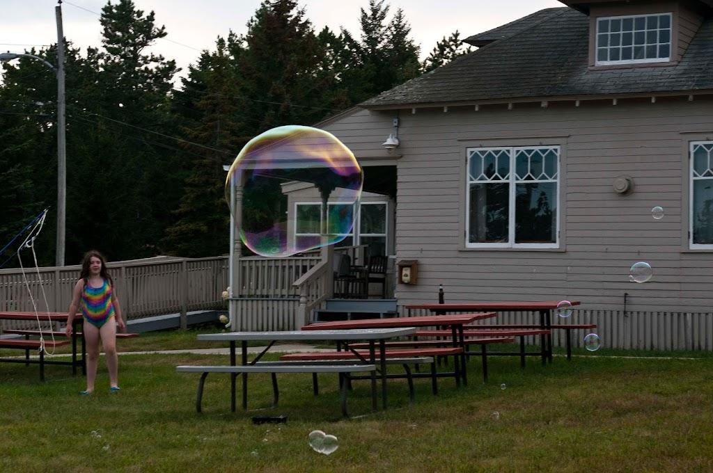 Ferry Beach-Bubbles-27