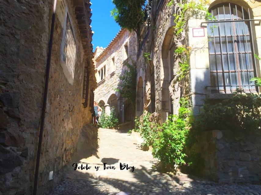 calles empedradas en Tossa de Mar