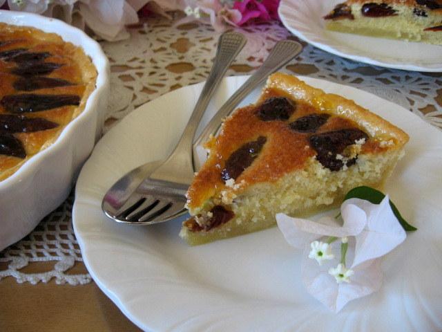 Бадемов тарт с фурми