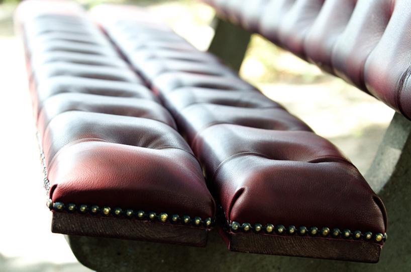 *公園裡的皮革古董長凳:切斯特菲爾德Chesterfield park bench! 5