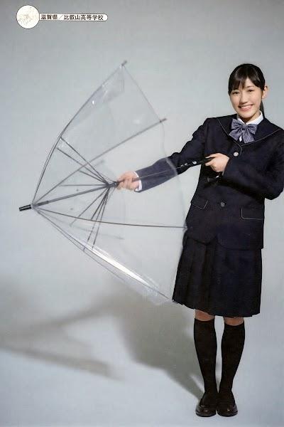比叡山高等学校の女子の制服2