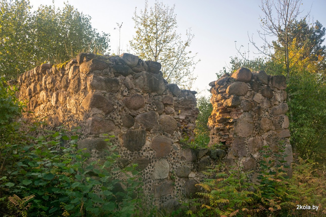 Руины Колокольни.  д. Ятра