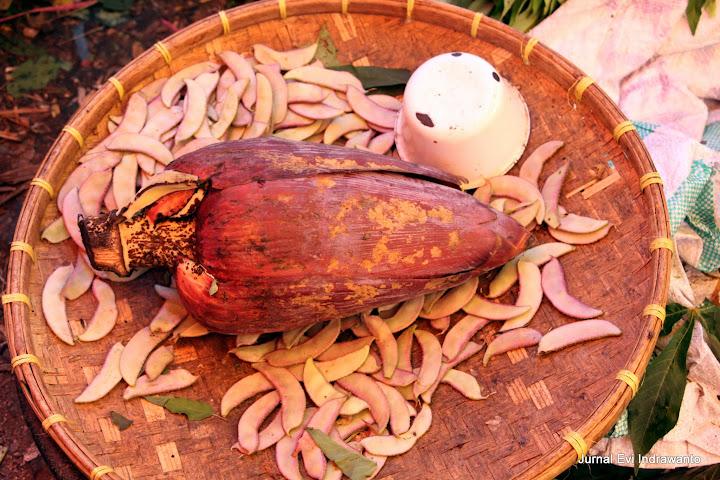 Jantung pisang untuk membuat sayur Mangge Mada