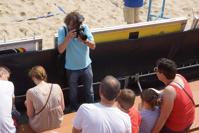 Stefaan Beel aan het werk tijdens het BK Beach volley in Roeselare