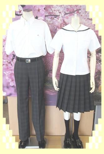 富山県立高岡商業高等学校の女子の制服2