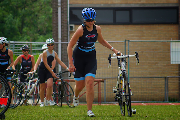 Marlies Vandevelde - 1/8e triatlon Roeselare - 1 juni 2014