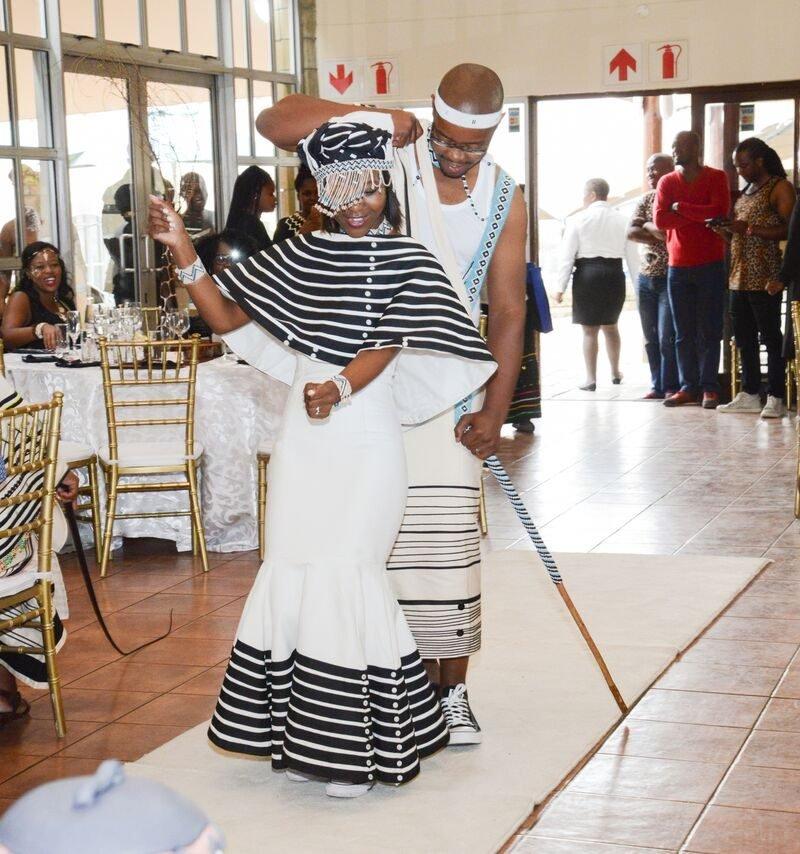 Wedding Shweshwe Styles Dresses 2018 Styles 2d