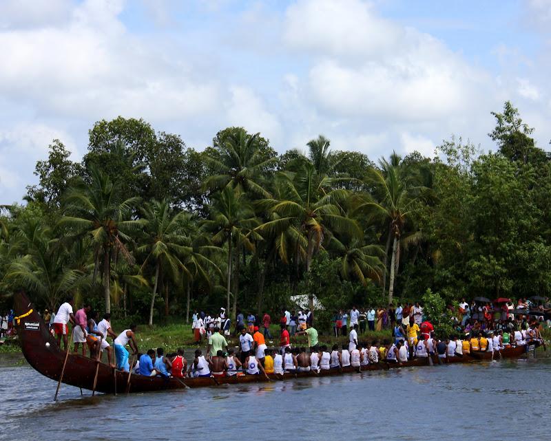 #Travelbloggerindia #Travelblog #keralatravelblog #keralatourism #keralasnakeboatrace