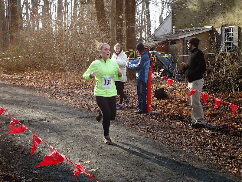 Winter Wonder Run 6K - December 7, 2013 - DSC00461.JPG