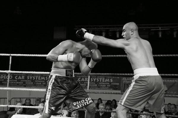 Kobe Vandekerkhove op boksmeeting Harelbeke 22 maart 2014