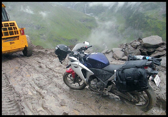 rohtang bike in mud The scary slush, Rohtang Pass