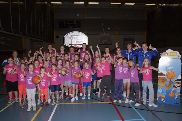 Meisjeshappening basketbal bij Wytewa uit Roeselare
