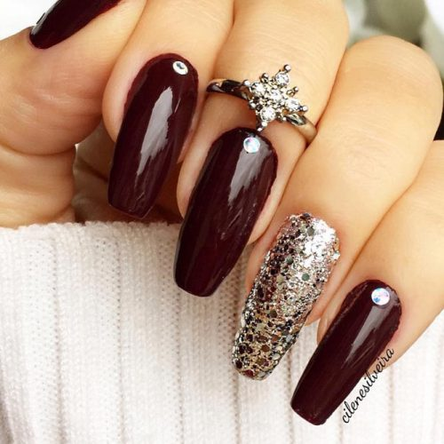 This beautiful fall striped example catches the greater part of the best fall  nail hues. Paint your nails with stripes in glittery fall nail clean and  after ... - Cute Fall Nail Designs Ideas Do It Yourself Pretty 4