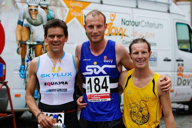 podium 21 juli stratenloop: Yves D'Halluin, Dries Depoortere en Andy Vanhaelewyn