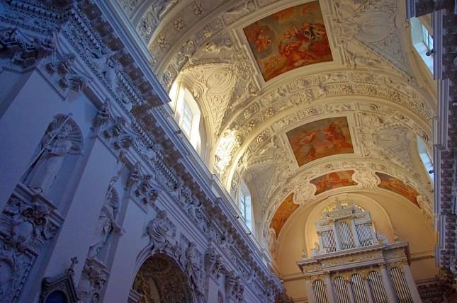 Qué ver en Vilna. Iglesia de San Pedro y San Pablo, Vilna, Vilnius