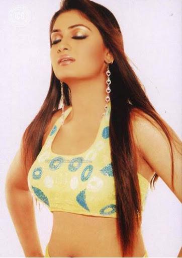 Geetu Mohandas Weight