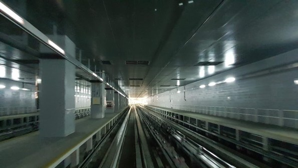 Dubai airport train
