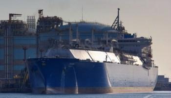Llega un metanero con GAS DEL FRACKING a Barcelona...en un barco Ruso!?