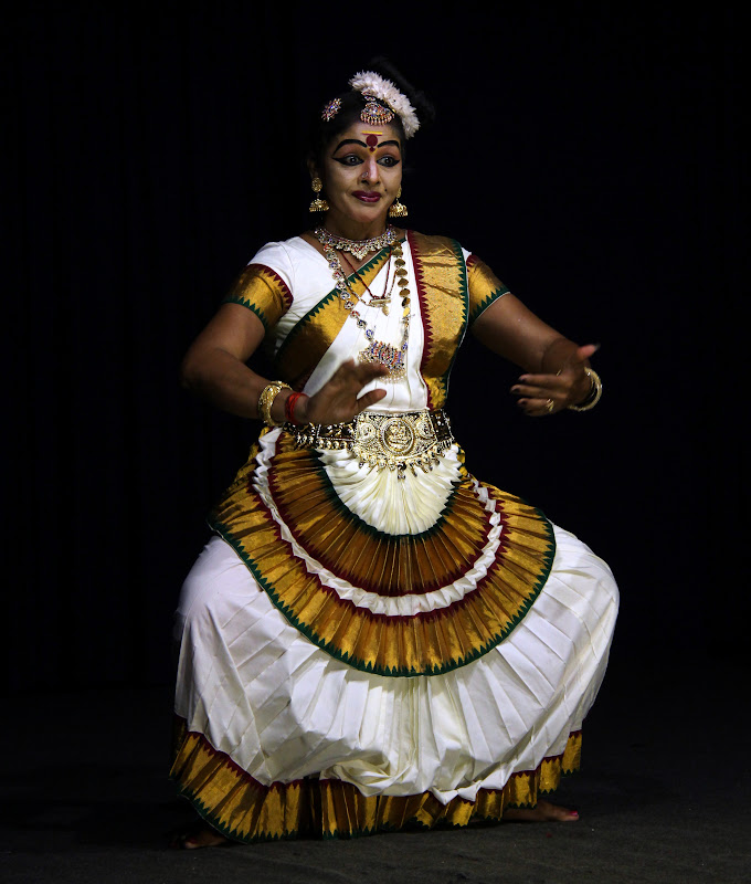 #Travelbloggerindia #Travelblog #keralatravelblog #keralatourism #mohiniyattam