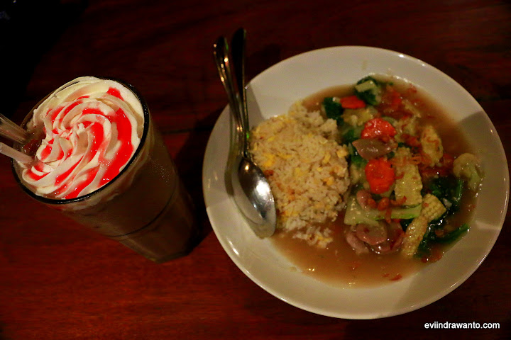 Nasi Capcay berteman Chocolate Smoothies