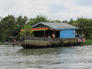 0023Tonle_Sap_Lake_Floating_Village