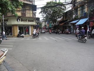 0030The_Streets_of_Hanoi