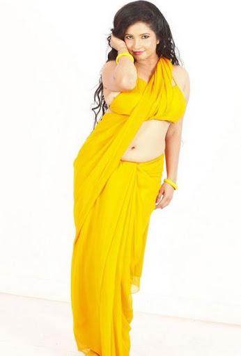Shubha Poonja Height