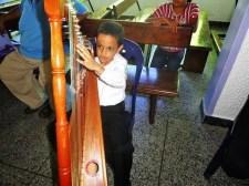 La Orquesta Alma Llanera de San Fernando está conformada por 38 músicos, con edades comprendidas entre 6 y 20 años