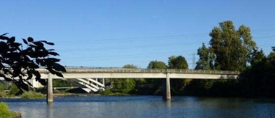 Knickerbocker Bicycle Bridge