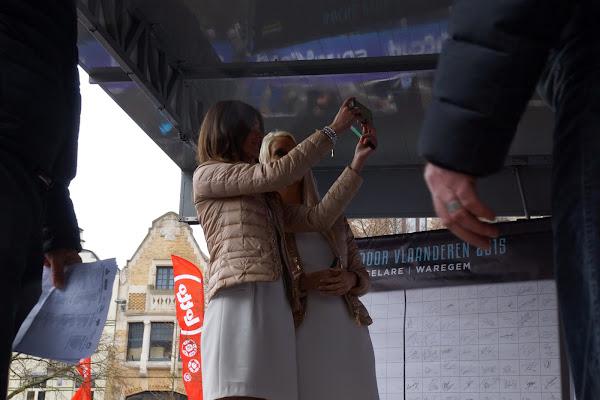 Maya Leye en Lien Crapoen...selfie-time