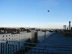 Für dieses Jahr ein letzter Blick mit der Kamera auf Wien, bevor die Webcam für die aktuellen Bilder verantwortlich ist. Heute ist es überwiegend sonnig aber auch windig, Böen bis zu 45 km/h waren bereits dabei und es wird wieder mild, die Höchsttemperaturen liegen bei 14 Grad! Derzeit beträgt die Temperatur 10.7 Grad, selbst in der Nacht war es nicht kühler als 10.6 Grad. #wetter  #wien  #favoriten  #wetterwerte #dienstag