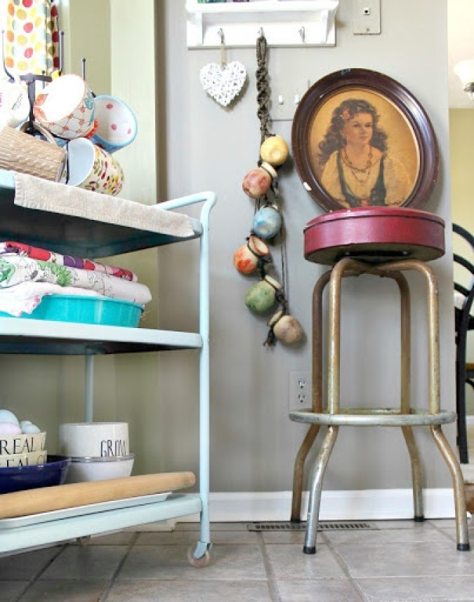 vintage-bar-stool-and-artwork-3