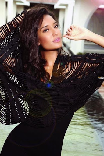 Lisa Haydon Photos