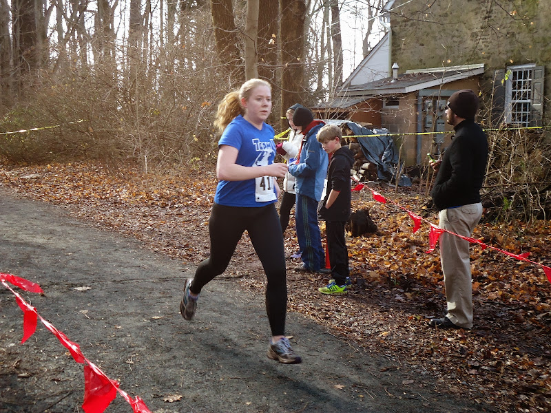 Winter Wonder Run 6K - December 7, 2013 - DSC00478.JPG